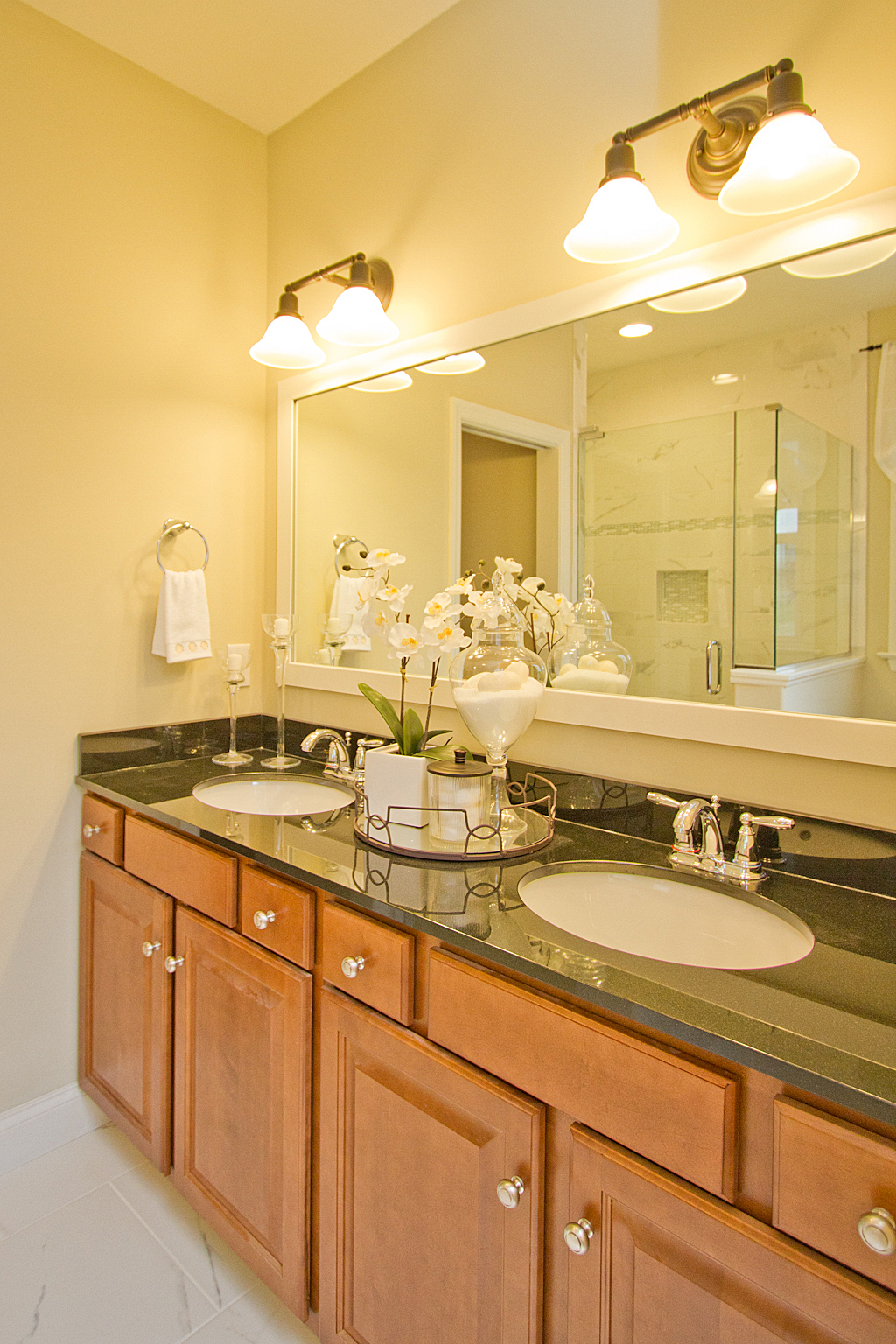 Lititz Reserve Addison - Master Bathroom Vanity
